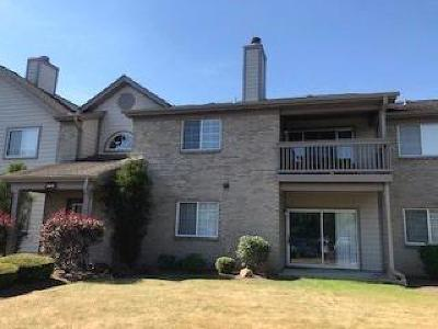 West Chester Condo/Townhouse For Sale: 8517 Breezewood Court #103