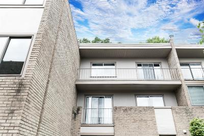 Cincinnati Condo/Townhouse For Sale: 2500 Warsaw Avenue #26