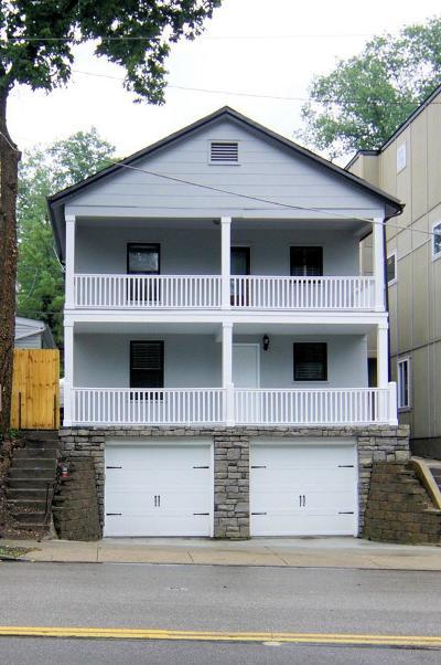 Cincinnati Single Family Home For Sale: 569 Torrence Lane