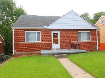 Cincinnati Single Family Home For Sale: 2849 Veazey Avenue