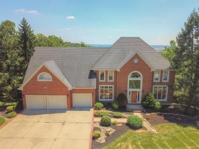 Beckett Ridge Single Family Home For Sale: 8430 Deer Path