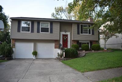 Cincinnati Single Family Home For Sale: 833 Bradford Court