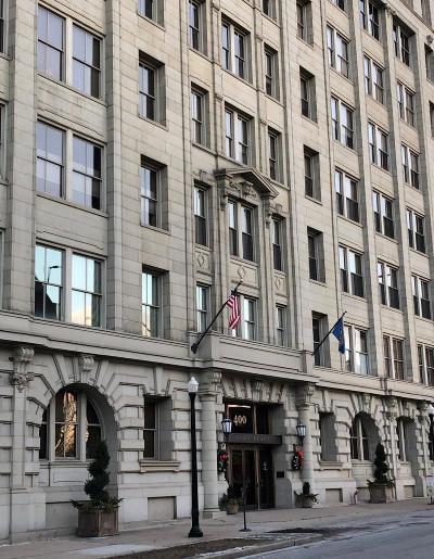 Cincinnati Condo/Townhouse For Sale: 400 Pike Street #803
