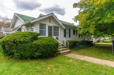 Hamilton Single Family Home For Sale: 4407 Pleasant Avenue