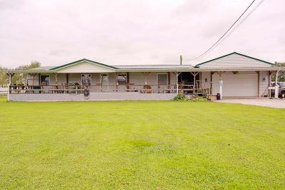Brown County Single Family Home For Sale: 2400 White Oak Valley Road