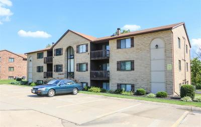 West Chester Condo/Townhouse For Sale: 9528 Woodland Hills Drive