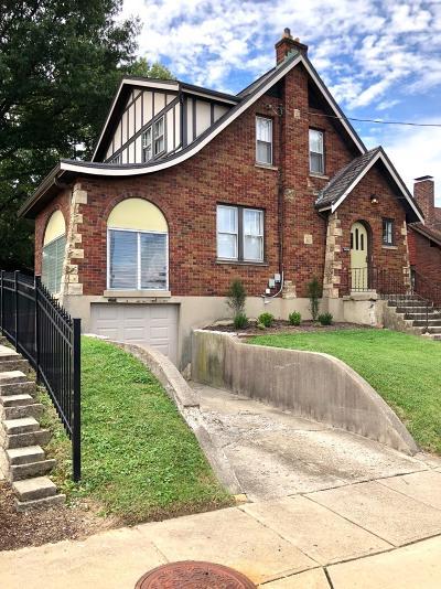 Cheviot Single Family Home For Sale: 3721 Kessen Avenue