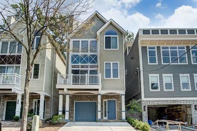 Cincinnati Single Family Home For Sale: 560 Empress Avenue