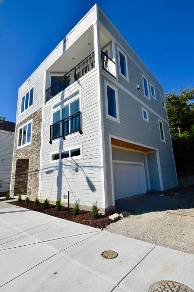 Cincinnati Single Family Home For Sale: 2604 Riverside Drive