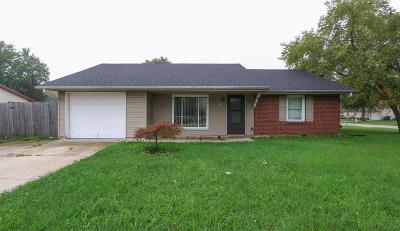 Lebanon Single Family Home For Sale: 425 Miller Road
