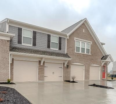 Springboro Condo/Townhouse For Sale: 275 Waterhaven Way #11300