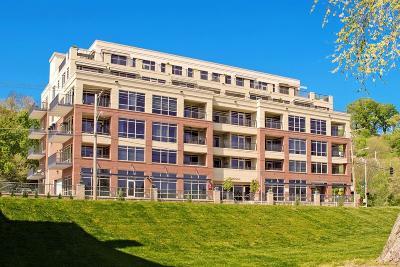 Cincinnati Condo/Townhouse For Sale: 2260 Riverside Drive #402