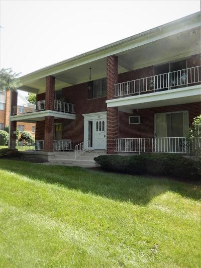 Cincinnati Condo/Townhouse For Sale: 6011 Woodford Court #4