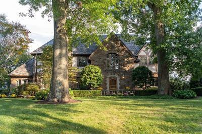 Cincinnati Single Family Home For Sale: 1120 E Rookwood Drive