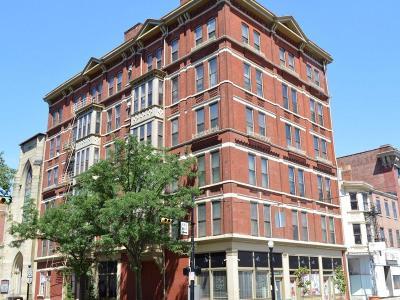 Cincinnati Condo/Townhouse For Sale: 104 W Ninth Street #5B