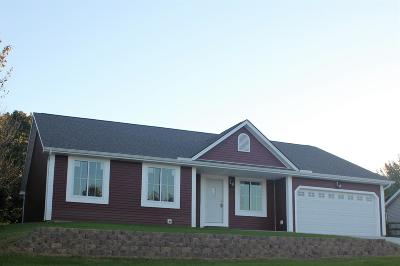 Adams County, Brown County, Clinton County, Highland County Single Family Home For Sale: 34 Regal Drive