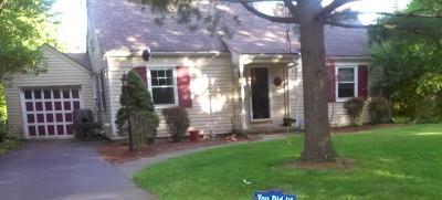 Hamilton Single Family Home For Sale: 1555 Brookcrest Drive