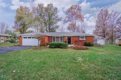 Hamilton Single Family Home For Sale: 7387 Robin Drive