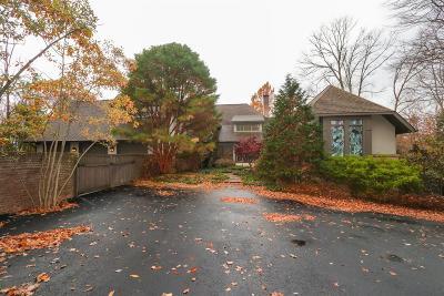 Single Family Home For Sale: 9990 Lakewood Lane