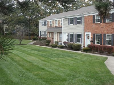 Fairfield Condo/Townhouse For Sale: 77 Applewood Drive