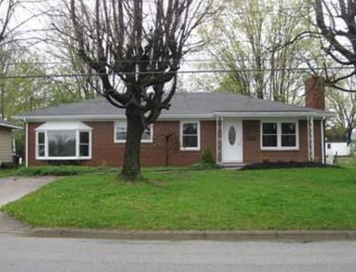 Adams County, Brown County, Clinton County, Highland County Single Family Home For Sale: 310 E Baldwin Street