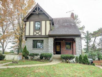 Cincinnati Single Family Home For Sale: 2509 Ridgecliff Avenue