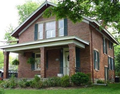 Single Family Home For Sale: 23 E Sharon Road