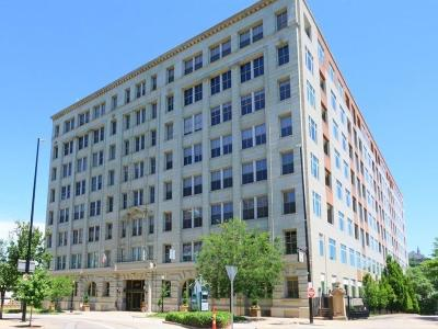 Cincinnati Condo/Townhouse For Sale: 400 Pike Street #P-20