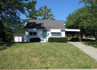 Hamilton Single Family Home For Sale: 93 Barrington Drive