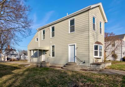 Hamilton Single Family Home For Sale: 828 Fairview Avenue