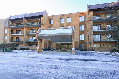 Cincinnati Condo/Townhouse For Sale: 3543 Amberacres Drive #409W