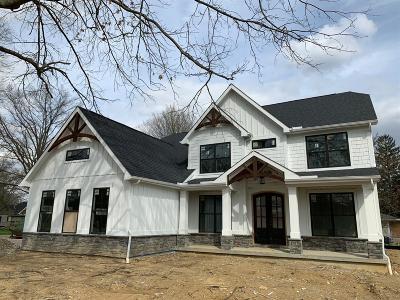 Cincinnati Single Family Home For Sale: 7887 Mitchell Farm Lane