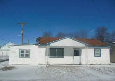 Adams County, Brown County, Clinton County, Highland County Single Family Home For Sale: 308 W Third Street