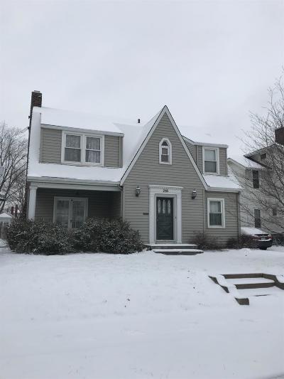 Hamilton Single Family Home For Sale: 215 N F Street