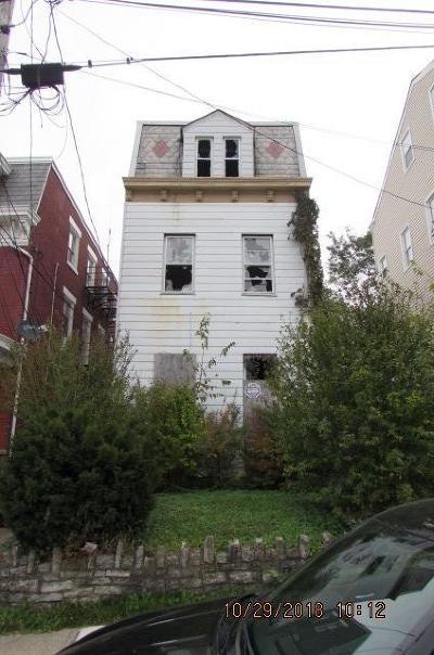 Cincinnati Single Family Home For Sale: 1018 Sturm Street