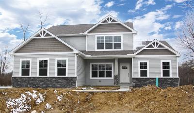 Hamilton Twp Single Family Home For Sale: 8007 Acorn Trail