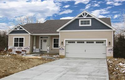 Hamilton Twp Single Family Home For Sale: 8096 Acorn Trail