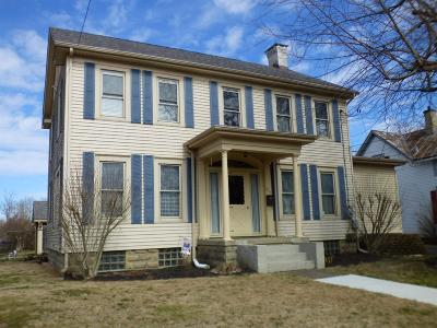 Adams County, Brown County, Clinton County, Highland County Single Family Home For Sale: 517 W Locust Street