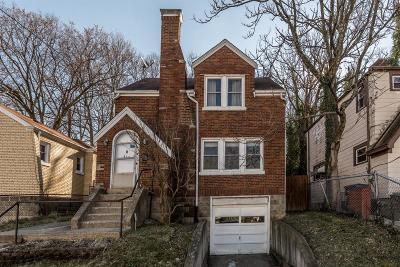 Cincinnati Single Family Home For Sale: 460 Elberon Avenue