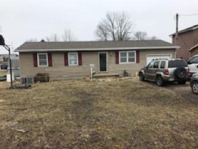 Fayette County Single Family Home For Sale: 2 Fawkes Street