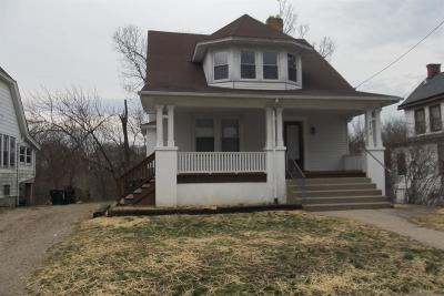 Cincinnati Single Family Home For Sale: 733 Woodlawn Avenue