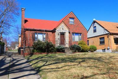 Cincinnati Single Family Home For Sale: 3234 Manning Avenue