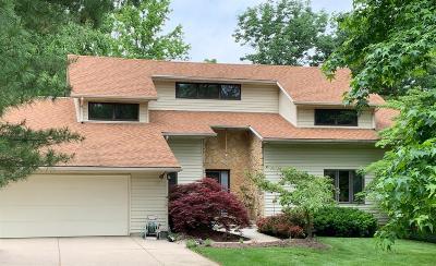 Oxford Single Family Home For Sale: 16 Fox Run Circle