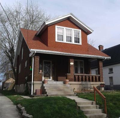 Cheviot Single Family Home For Sale: 3918 Delmar Avenue