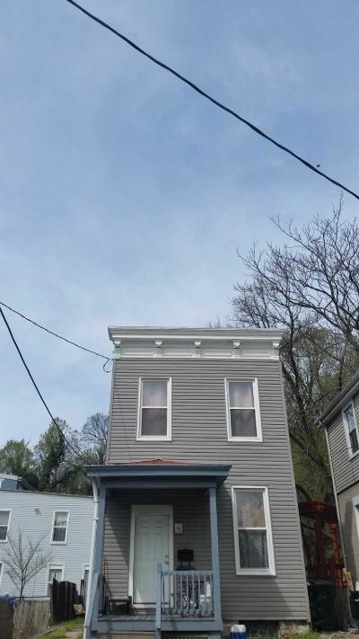 Single Family Home For Sale: 2309 Ravine Street