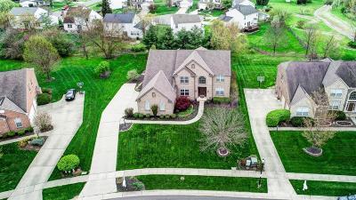 Deerfield Twp. Single Family Home For Sale: 7903 Hedgewood Circle