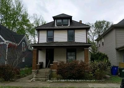 Hamilton Single Family Home For Sale: 717 Ross Avenue