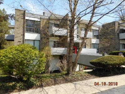 Cincinnati Condo/Townhouse For Sale: 399 W Galbraith Road #211