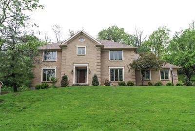 Blue Ash Single Family Home For Sale: 9446 Oakhurst Court