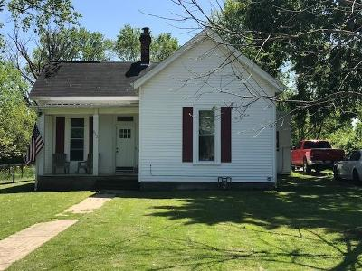 Clinton County Single Family Home For Sale: 512 W Locust Street